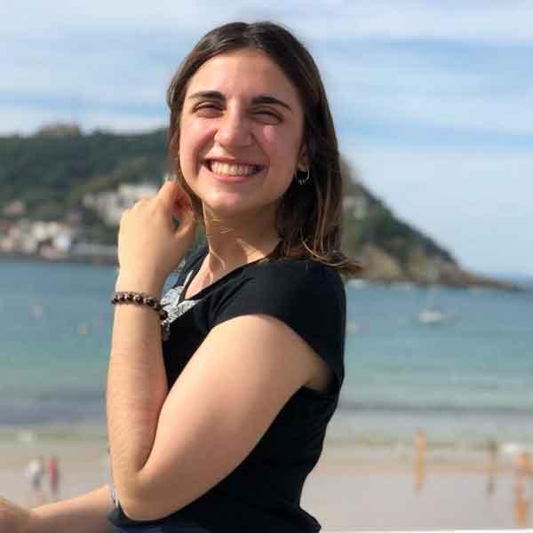 Agustina Sánchez, autora de Ediciones Atlantis