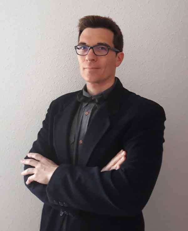 Alberto Espinazo, autor de Ediciones Atlantis