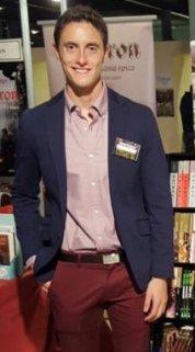 Alejandro Ruiz Lara, autor de la Trilogia Génesis.