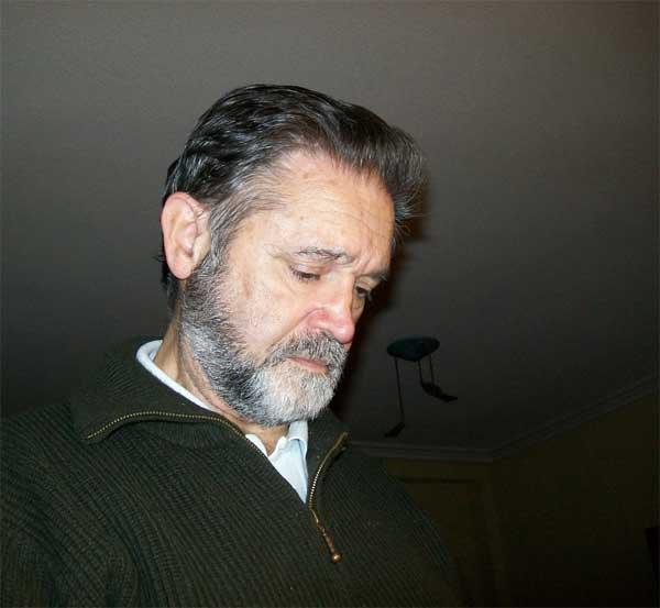 Carlos González, autor de Ediciones Atlantis