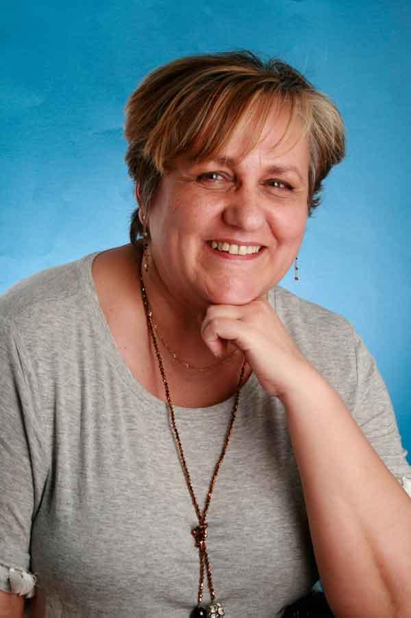 M. Carmen Fernández Mayoralas, autora de Ediciones Atlantis