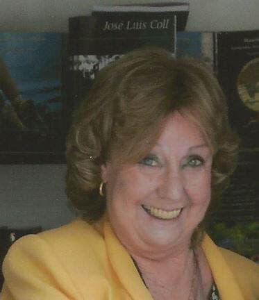 Carmen Silva, autora de Algo más que un cuento