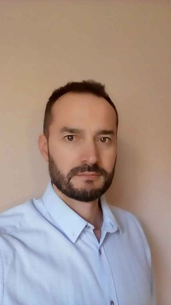 Emilio Pérez Orejuela, autor de Ediciones Atlantis