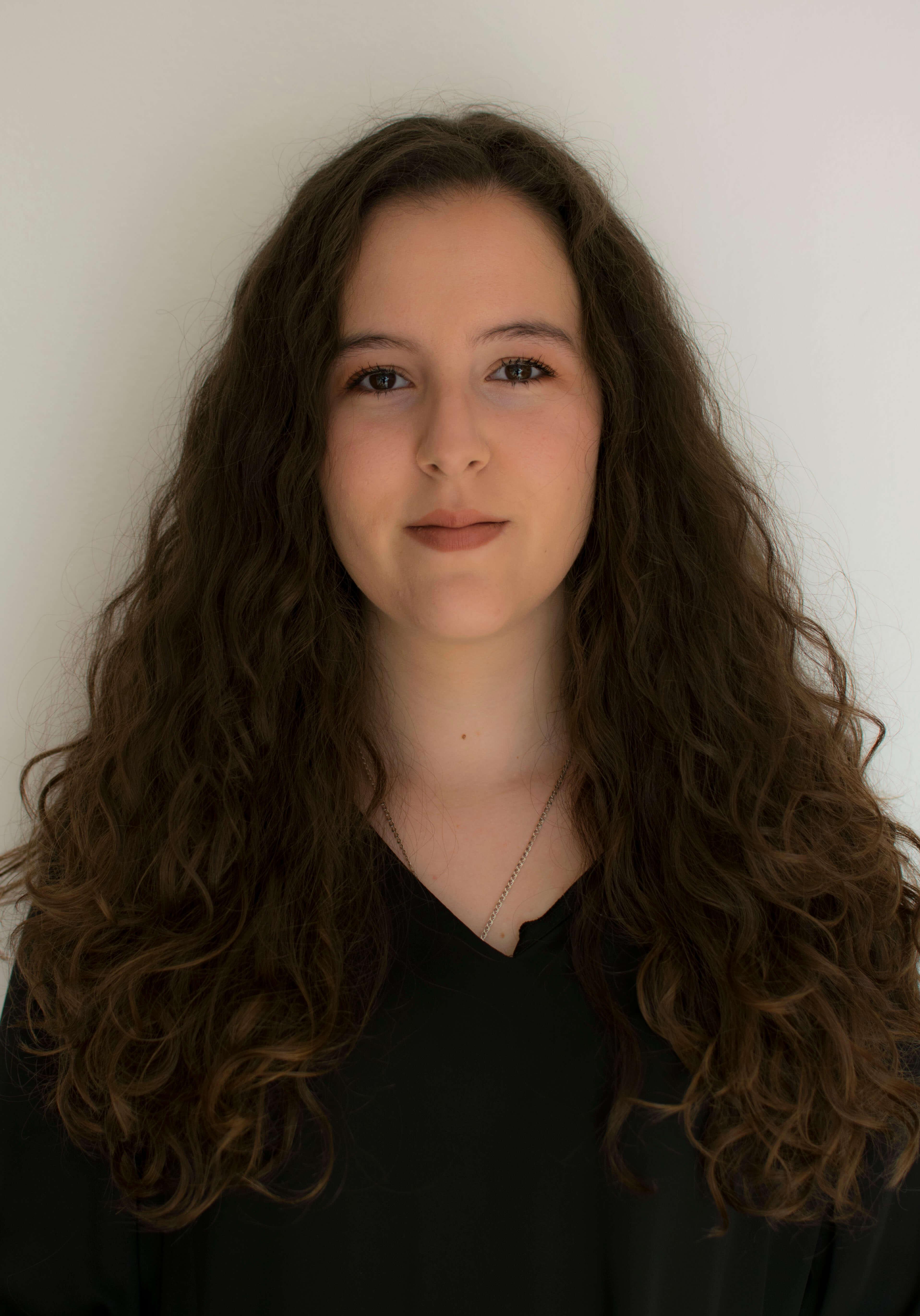 Ana Escolar Hernández, autora de Ediciones Atlantis