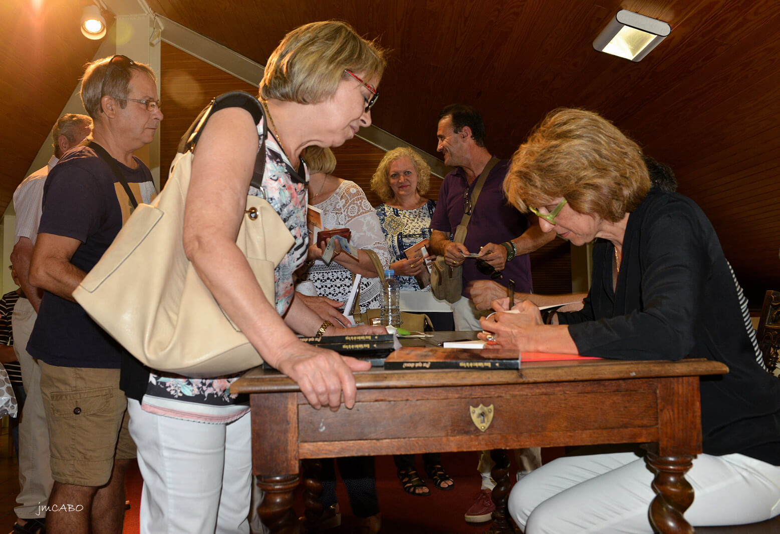 Rosa Sánchez, firma ejemplares