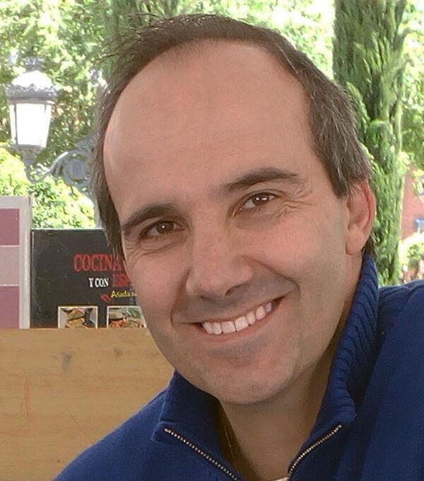 Óscar Encarnación, autor de Ediciones Atlantis