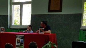 Raul y J. D. Álvarez durante la presentación del libro 'Dragones en la selva'