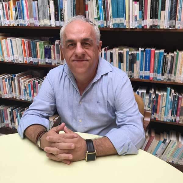 Salvador Vega Alarcón, autor de Ediciones Atlantis
