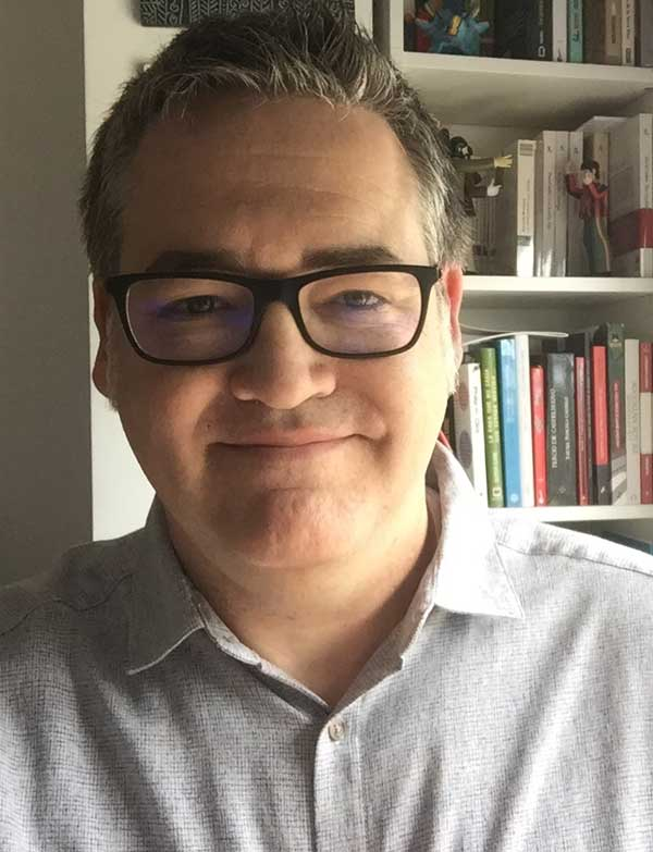 Emilio Villanueva López, autor de Humo